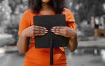 5 Reasons Why Scholarships Are Important!